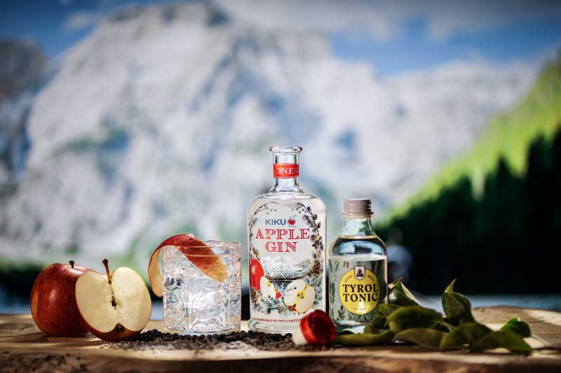 Kiku apple gin by Roner